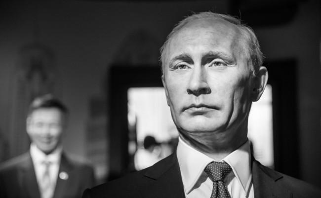 プーチン大激怒!トルコのロシア軍機撃墜を各紙はどう報じたか