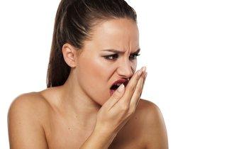 冬になると増える口臭。実は「疲れ」と「冷え」が原因だった
