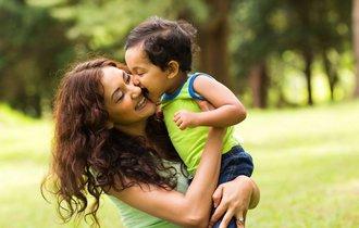 スキンシップが虐待を防ぐ。追いつめられた母親に学んでほしいこと