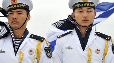 Chinese_sailors_qingdao