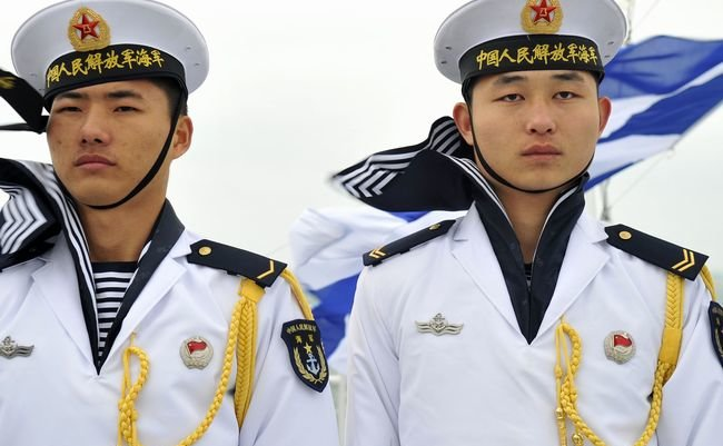 Chinese_sailors_qingdao