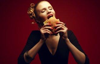 チェーン店よりうまい。米国人がわざわざ食べに行く自家製ハンバーガー5選