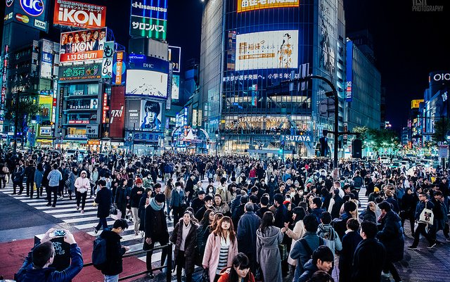 ついに日本が人口減少。海外メデ...
