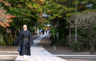 「墓はなくても坊主は呼びたい」 日本人の心理