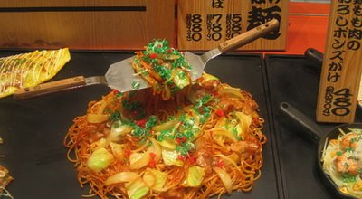 Plastic_yakisoba_sample_by_Colin_McMillen_in_Osaka copy
