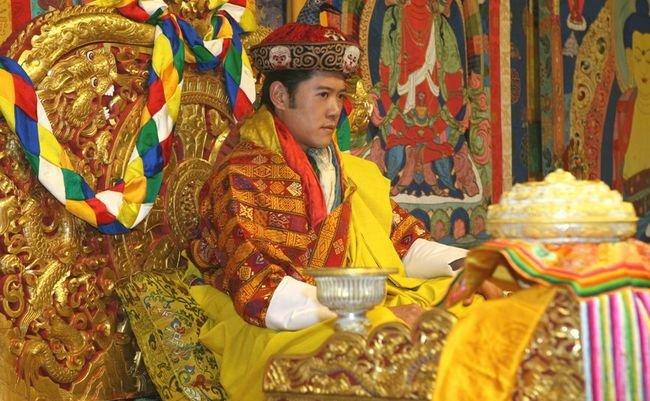 国王からも爵位。日本人「ニシオカ」はなぜブータンで国葬されたのか?