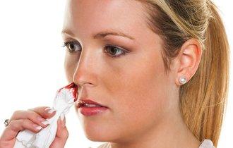 「大人の鼻血」は病気の兆候?知っておきたい原因とシグナル