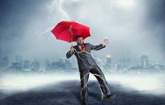 【落雷に注意】重要なのは距離と角度、命を落とさぬ為に守るべき鉄則