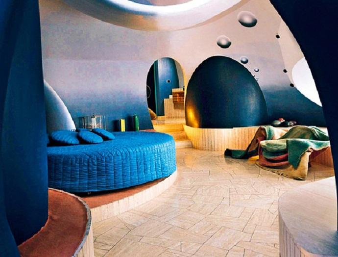 Pierre-Cardin's-Bubble-House-by-Antti-Lovag-designrulz-5