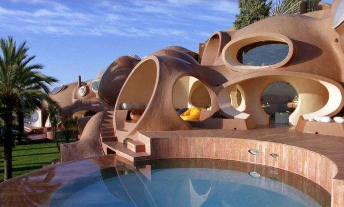 Pierre-Cardin's-Bubble-House-by-Antti-Lovag-designrulz-1 2
