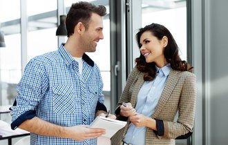 職場でおしゃべりしてても「仕事熱心な人」に見せるカンタンな裏ワザ