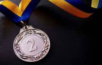なぜ日本人選手は銀メダルで謝罪するのか? 悪しき習慣を上杉隆氏が斬る