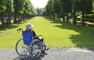 もう「介護離職」せずに済む。来年の介護休業制度改正で、残業ゼロに