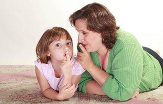 【質問】「ママは20代」と子どもについたウソ。いつ白状すべき?