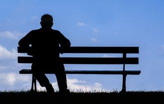 「作り笑い」が人を幸福にする。孤独で不幸にならないためのルーティン
