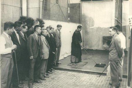 昭和5年(1930年)頃。屋上ゴルフ練習場