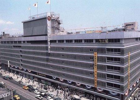 1964年に増築オープンした際の松屋銀座。設計・管理は松田平田設計事務所