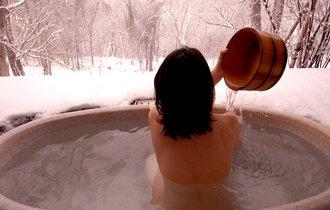 温泉の朝風呂が危ない。入浴前に飲む「1杯の水」が命を救う