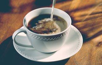 コーヒーにミルクor砂糖? 何を入れるかで変わるカラダへの影響