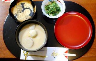 なぜ京都のお雑煮は「白味噌に丸もち」か? その理由は神様にあった