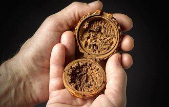 神は細部に宿る。未だに解明できない、16世紀の精巧すぎる彫刻作品