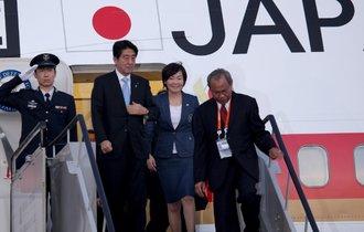 安倍外交は物味遊山?総理の100カ国歴訪が評価されていない理由