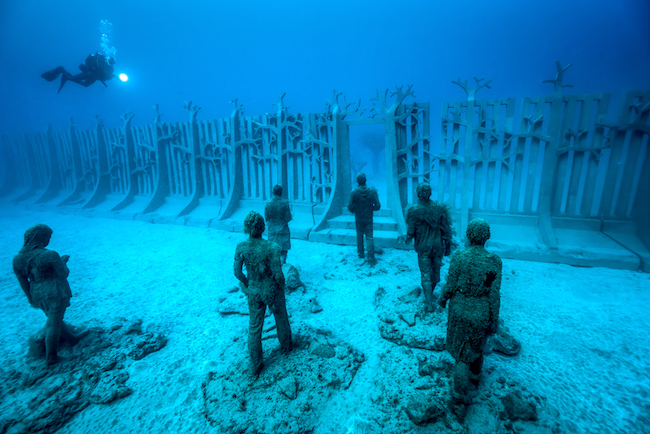 Jason_deCaires_Taylor_sculpture-07081