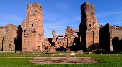 Baths_of_Caracalla,_facing_Caldarium