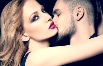 ニオイに興奮?「フェロモンまで消臭」でカップルは不仲になる説