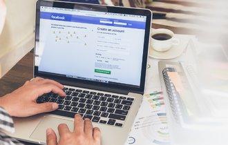 思わず納得。シニア世代が「Facebook」を好む、明快な理由