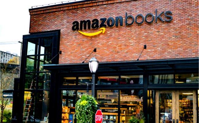 nyで大行列 なぜアマゾンは自ら駆逐したリアル書店を出店するのか
