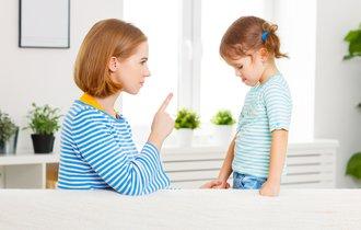 「よそはよそ、うちはうち」はOK。親のシツケが「洗脳」でも許される訳