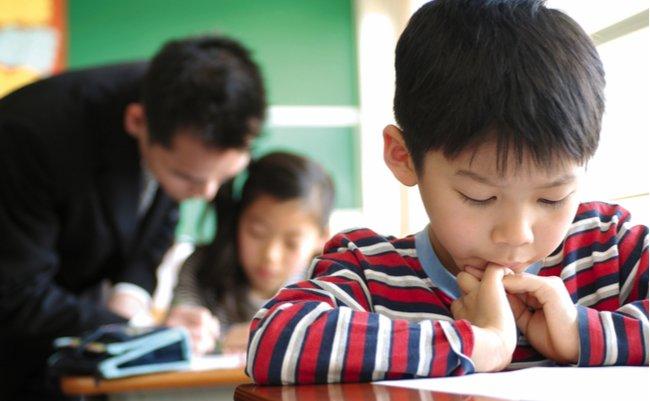 教員不足解消のための「大量採用」が、学校を多忙にしている矛盾