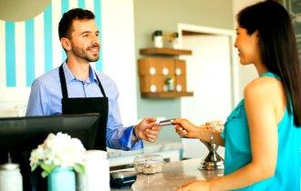 なぜあの人がレジに行くと待たされている客が笑顔になるんだろう?