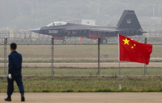 中国のステルス戦闘機が超絶進化。軍事評論家「米露に近い戦闘力だ」