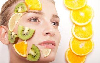 科学者が警鐘。安い化粧品は使うとかえって肌のバランスを崩す