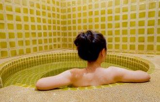 温泉宿で強制的に取られる「入湯税」って何? 年間227億円の正体