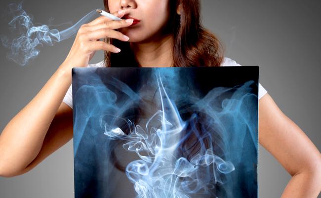 が と 胸 吸う タバコ 痛い を