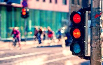 「赤信号みんなで渡れば怖くない」を企業の売上に結びつける方法