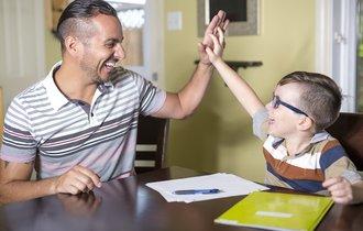予想以上の効果。親と同じ部屋で勉強する子は集中力が持続する