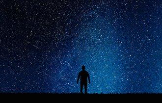 スマホ厳禁。10月21日のオリオン座流星群を楽しく観察する方法