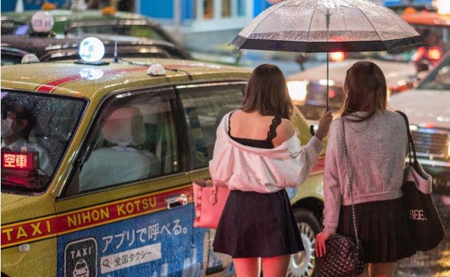 日本で横行する、中国人観光客を...