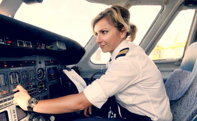 パイロット不足で欠航続出。「憧れの職業」に何が起きているのか ...