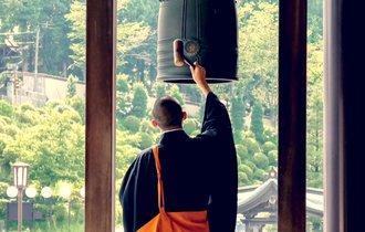 自殺はおやめなさい。僧侶150人と話せる仏教テレフォン相談が話題