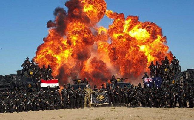イラク 対テロ部隊 卒業写真