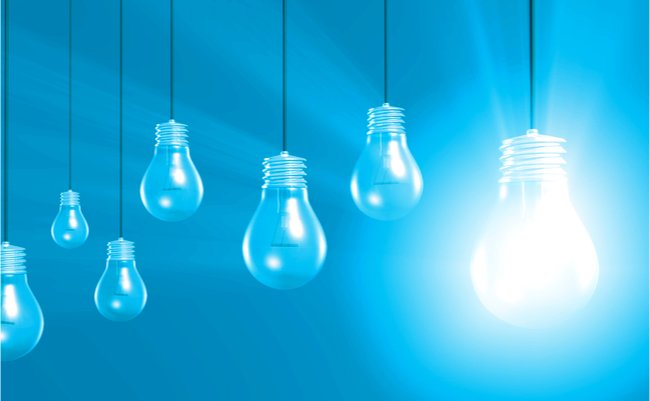 電球 アイデア チャンス 強み ビジネス