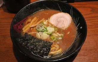 【品川】ラーメン官僚がペロリと完食した濃厚豚骨ラーメン【神仙】