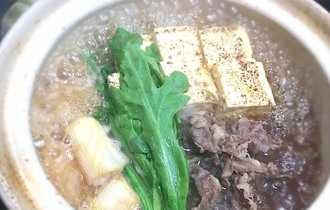 10分煮込めば出来上がり。プロの料理人が作る、間違いない肉豆腐