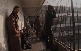 中国急成長の裏で「9重苦」に押しつぶされる中国農民の現状