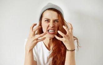 注意するとき「舌打ち」をすれば、かえって逆効果になる